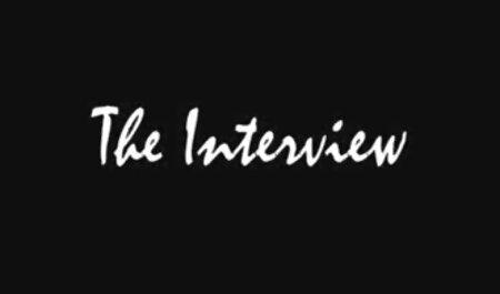 خروس سفید انجمنشهوانی در سوراخ شلخته سیاه