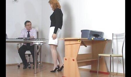 ترانس مقعد را داستان سکسی شهوتخونه روی خروس بزرگ یک دوست می کشد
