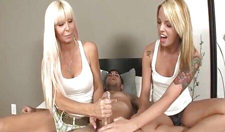 درمانگر ماساژ سیاه یک شلخته روی عکس سکسی از محارم مبل را شل می کند و لعنتی می کند