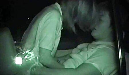 عکاس یک مالاتو ناز را روی کاج کاشت داستان سکسی به همراه عکس