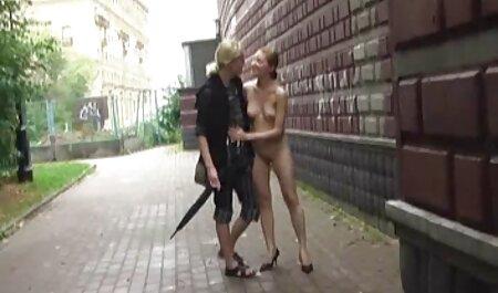 یک مرد عضلانی روسی داستان های سکسی عکس دار با شور و شوق یک پیر بزرگ گوشتی را به داخل مقعد بلوند فرو کرد