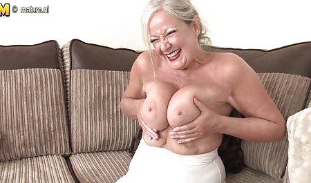 دختر ریزه اندام از بهترین معشوقش دیدن داستانهای سکسی با عکس کرد