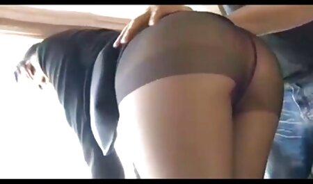Cumshot روی صورت یک دختر زیبا و عکس سکسی ریحانه زیبا