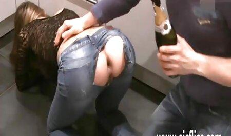 دیلدو سکس کسزیبا صورتی سوراخ پیدا کرده است