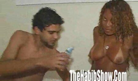 یک زن و عکس کوس وکونم شوهر جوان مجموعه ای از پورن های خانگی را دوباره پر کردند