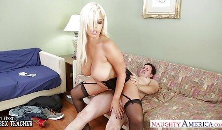 دونات قبل از رابطه جنسی خروس شوهر را جلوی سايت سكسى شهوانى دوربین می کشد